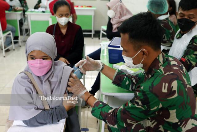Vaksinasi Massal