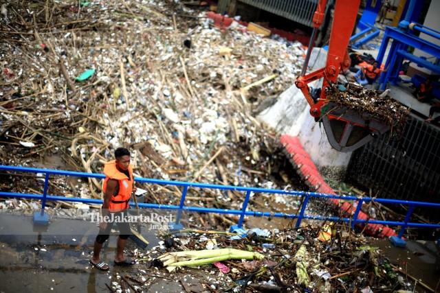 River Garbage Management Jakarta