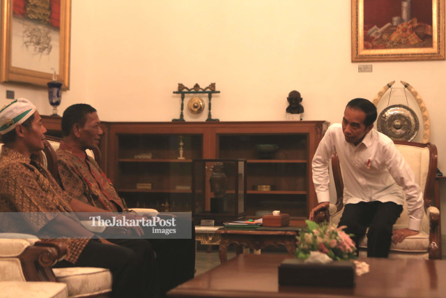 Jokowi meets victims of clashes