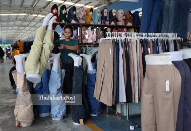 Penjual Pakaian