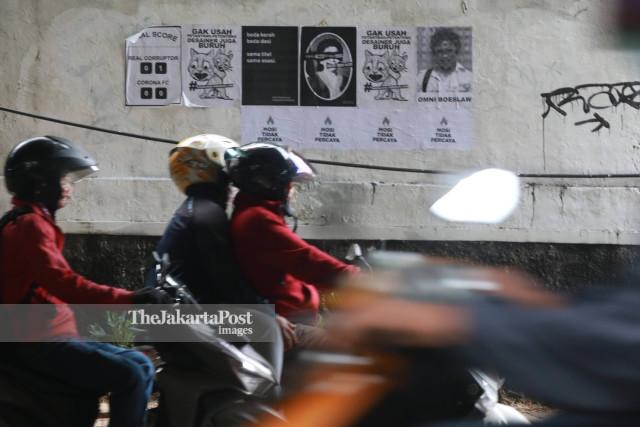 Poster Tolak Omnibus Law