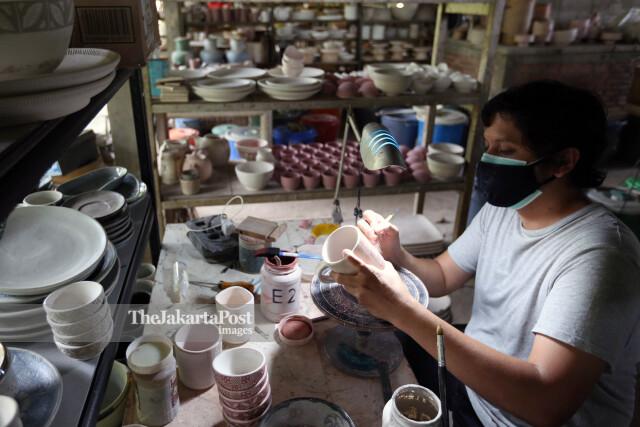 Pengerajin Keramik