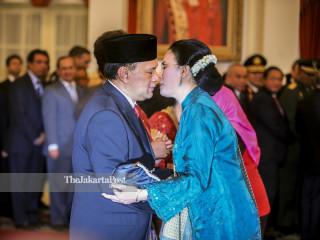 Congratulatory kiss