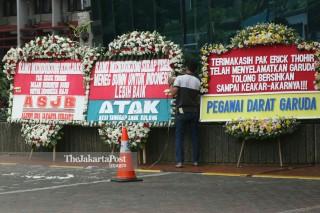 Karangan Bunga di Kementrian BUMN