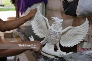Seniman Patung