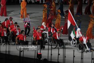 -Defile Atlet Uni Emirat Arab dalam Upacara Pembukaan Asian Para Games 2018