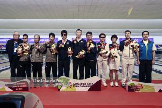 Tenpin Bowling - Penyerahan Medali