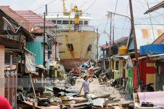 Kapal terdampar di Pelabuhan Wani, Donggala, Sulawesi Tengah