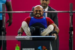 -Atlet Angkat Besi Putra 49kg asal India Farman Basha