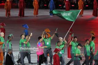 -Defile Atlet Saudi Arabia dalam Upacara Pembukaan Asian Para Games 2018