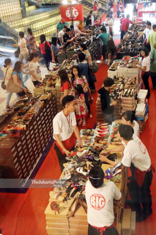 File: Sale Sepatu