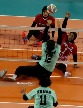 -Voli duduk putri Mongolia vs Indonesia
