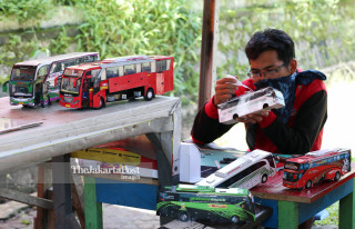Miniature craftsman