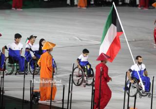 -Defile Atlet Kuwait dalam Upacara Pembukaan Asian Para Games 2018