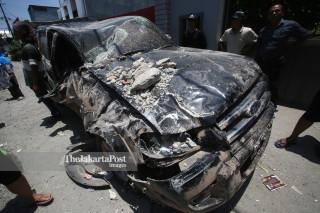 Evakuasi kendaraan dari Hotel Roa Roa Palu Sulawesi Tengah