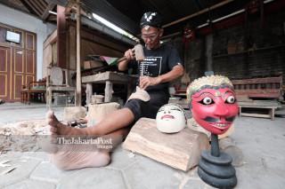 Wooden Mask Craft Maker