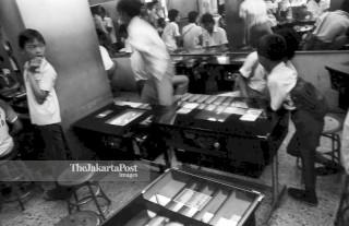 FILE : Permainan Dingdong (1984)