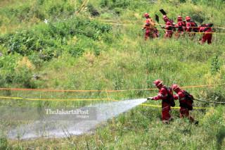 Fire extinguish simulation