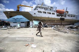 Kapal Sabuk Nusantara 39 terdampar ke daratan akibat gempa dan tsunami di Pelabuhan Wani Donggala Sulawesi Tengah