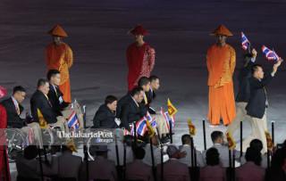 -Defile Atlet Thailand dalam Upacara Pembukaan Asian Para Games 2018