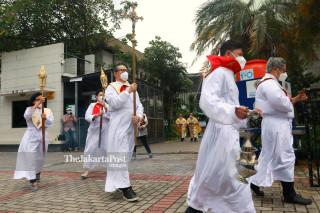 Perayaan Misa Natal di Gereja Katedral