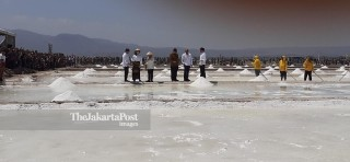 Panen Garam di Nusa Tenggara Timur