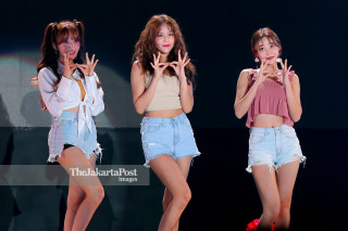 Closing Asian Para Games 2018_AOA Music Group