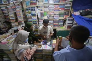 Penjualan Buku Menurun