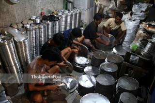 Pembuatan Loyang Kue Industri Rumahan