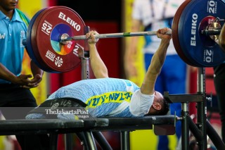 -Atlet Angkat Besi Putra 49kg asal Kazakhstan Kasmukhanov Yernat