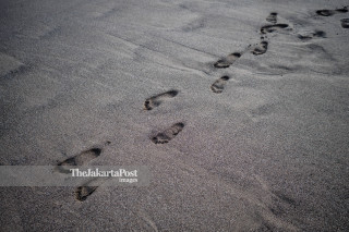 Foot prints at Canggu Beach