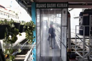 Bilik Disinfektan Halte Transjakarta