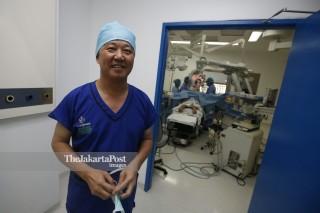 File: Ahli Bedah Syaraf, Prof Dr. Eka