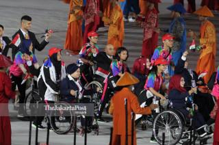 -Defile Atlet Irak dalam Upacara Pembukaan Asian Para Games 2018
