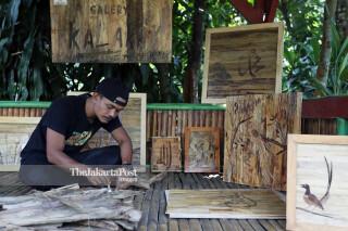 Seniman Kaligrafi