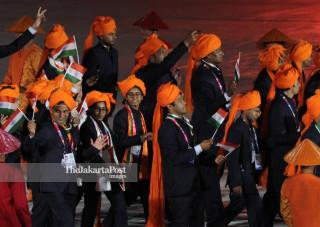 -Defile Atlet India dalam Upacara Pembukaan Asian Para Games 2018