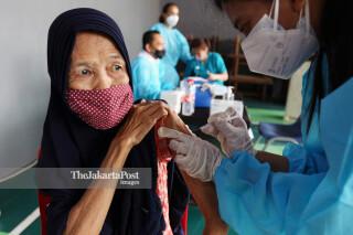 Vaksinasi lanjut usia
