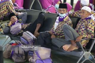Jemaah Umrah Terlantar di Bandara