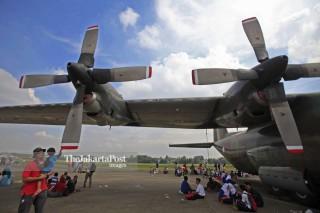 File: Pesawat Militer Hercules