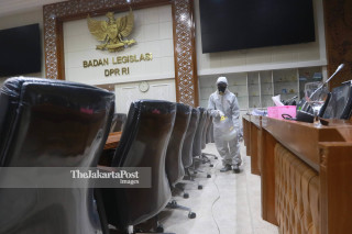 Gedung DPR Lockdown