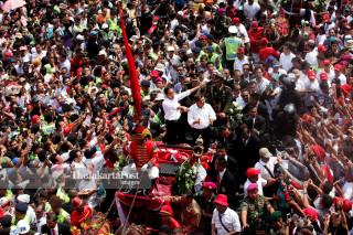 FILE; Jokowi parade 2014