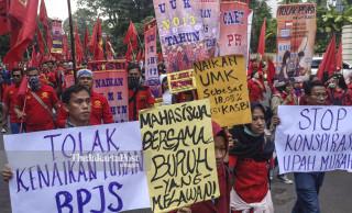Unjuk Rasa Buruh di Bandung