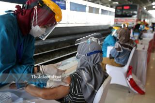 Vaksinasi Massal Covid-19 Stasiun Kereta