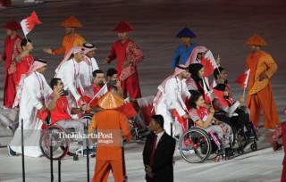 -Defile Atlet Bahrain dalam Upacara Pembukaan Asian Para Games 2018