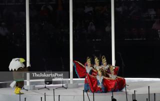 -Penampilan penari divabel di pembukaan Asian Para Games 2018