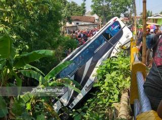 Kecelakaan Bis Maut di Blitar Jawa Timur