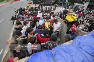 Puluhan Pemuda Ditangkap Saat akan ikuti Unjuk Rasa Tolak Omnibus Law