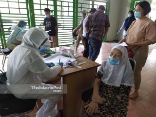 Test Swab di Stadion Patriot Bekasi
