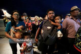 Warga korban di Bandara Mutiara SIS Al-Jufrie Palu Sulawesi Tengah
