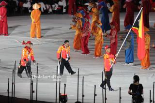 -Defile Atlet Timor Leste dalam Upacara Pembukaan Asian Para Games 2018